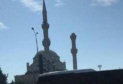İstanbulda depremde Avcılarda caminin minaresi yıkıldı