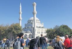 Avcılar'da minare yıkıldı