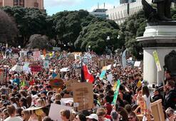 Yeni Zelandalı on binlerce çevreci sokaklara indi