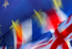 AB Brexitte topu İngiltereye attı