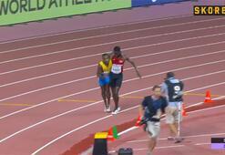 Yarışı bıraktı rakibine koştu