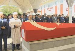 Şehit polis Serkan Çağlayanın cenazesi toprağa verildi