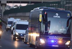 Fenerbahçe otobüsüne hücum ettiler Galatasaray taraftarı...