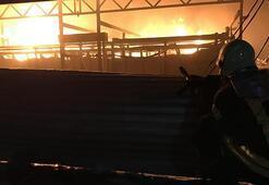 Manisada fabrika yangını söndürüldü