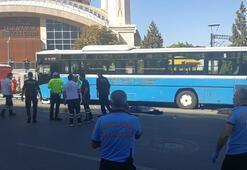 Ankarada özel halk otobüsü durağa girdi, ölenler var