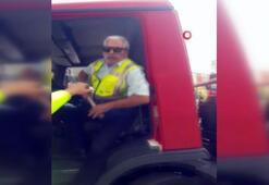 Çekici şoförüyle vatandaşın sopalı kavgası kamerada