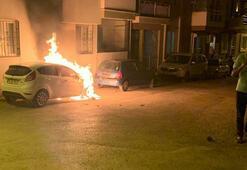 Menemende park halindeki otomobil yandı