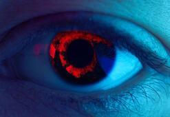 Flaşla çekilen fotoğraflarda gözler neden kırmızı çıkar