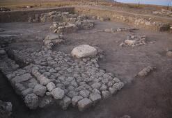 Eski adı Samuha Burada en az 6  tane tapınak var