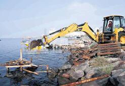 55 kaçak iskeleye yıkım işlemi yapıldı