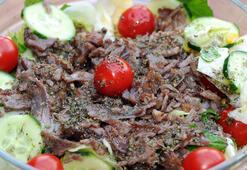Tavuk salataya rakip geldi: Dönerci salatası