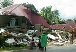 Endonezyadaki depremde ölü sayısı artıyor