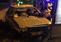 Başkent'te otomobil reklam panosuna çarptı: 1 yaralı