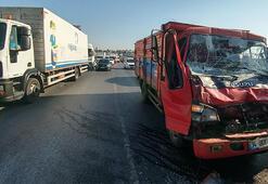 Hadımköy'de trafiği kilitleyen kaza