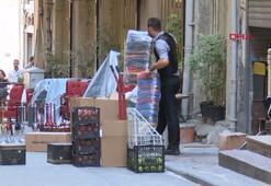 Beyoğlunda binanın çökme tehlikesi nedeniyle dükkanlar boşaltılıyor