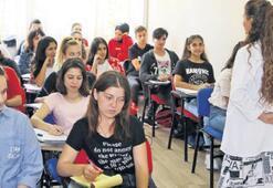700 öğrenciye destek