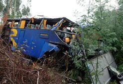 Kenya'da otobüs ile TIR çarpıştı: 13 ölü