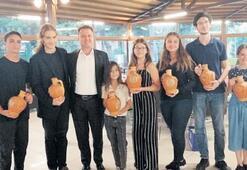 Başkan Aksoy, genç piyanistleri ağırladı