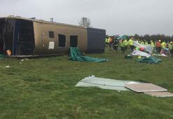 İngilterede çift katlı yolcu otobüsü yan yattı: Çok sayıda yaralı var