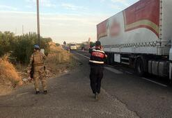 Son dakika Jandarmaları taşıyan midibüsle TIR çarpıştı