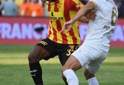 Serdar Gürlerden tarihe geçecek penaltı atışı