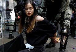 Hong Kongda maske yürüyüşü