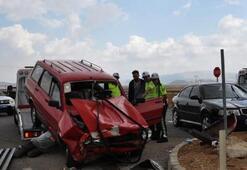 Taziye ziyaretinde korkunç kaza 3ü çocuk 12 yaralı