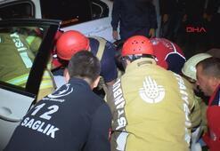 Kurtarmak için aracın arka camını kırdılar