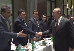 Dışişleri Bakanı Çavuşoğlu Cezayirde Türk iş insanlarıyla buluştu