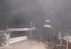 Karamanda mobilya atölyesinde yangın