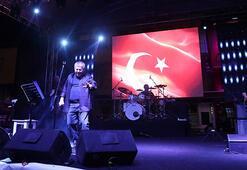 Mudanyada Cem Karaca rüzgarı