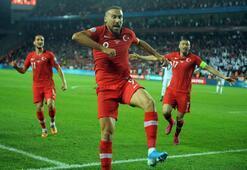 Cenk Tosun golü attı, Kadıköy yıkıldı Sevinç sırasında....