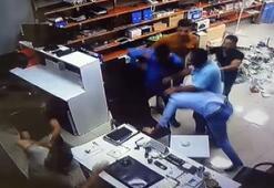 İş yerini basıp öldüresiye dövdüler...O anlar kamerada