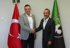 Mehmet Özdilek resmi imzayı attı