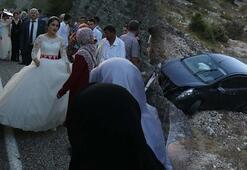Düğün konvoyunda kaza Yaralılar var