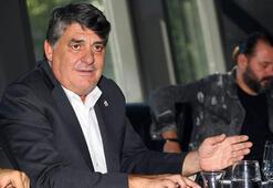 Serdal Adalı İzmirde Beşiktaşlılarla buluştu