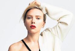 Scarlett Johansson: Gayet  mutluyum