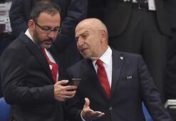 Bakan Kasapoğlu ve TFF Başkanı Özdemirin büyük heyecanı