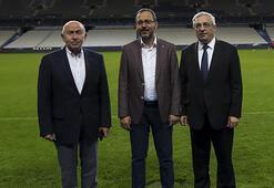 Bakan Kasapoğlu ve Nihat Özdemirden gol sevinci