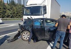 TEM Otoyolundaki kaza trafiğe neden oldu