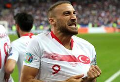 Fransa maçında sakatlanan Cenk Tosun, 2 hafta sahalardan uzak kalacak