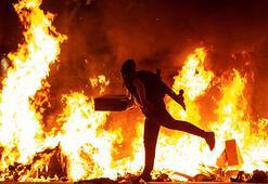 Katalonya'da protestolar devam ediyor: 3 gözaltı