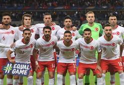 Mert Günok ve Merih Demiral, EURO 2020de haftanın 11ine seçildi