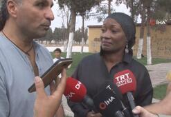 ABDli sanatçı Della Miles Barış Pınarına destek için Suriye Sınırında