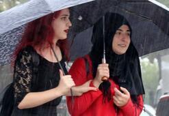 Sağanak yağmura dikkat Hava sıcaklığı düşüyor