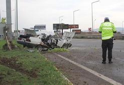 Kazada otomobili hurdaya döndü, sürücü yaralandı