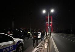 Son dakika... Elindeki silahla 15 Temmuz Şehitler Köprüsünde trafiği durdurdu