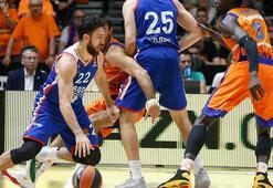 Anadolu Efes, Valencia Basketi yıktı
