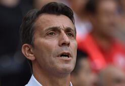 Antalyaspor taraftarı, Bülent Korkmazı istifaya çağırdı