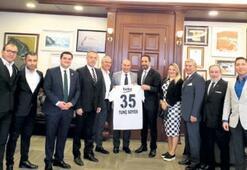 Egeli Beşiktaşlılar'dan Başkan Soyer'e ziyaret
